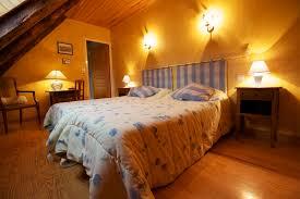 chambre d hote massif central chambres d hôtes murat la chambre jaune