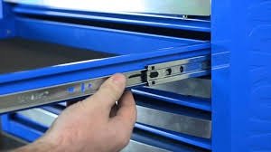 Tool Box Style Dresser by Kincrome Repair U0026 Maintenance Removing A Drawer Youtube