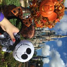 Halloween Theme Park by All Of The Spookily Fun Things At Mickey U0027s Not So Scary Halloween