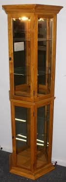 oak pulaski furniture lighted curio cabinet