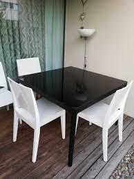 glastisch schwarz mit 4 stühlen