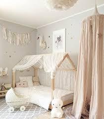 idee decoration chambre bebe fille 1001 idées pour aménager une chambre montessori bébé