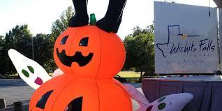 Kelly Ripa Halloween Contest by City U0027s Halloween Celebration Moving Indoors