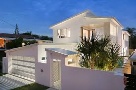 100 Beach Houses Gold Coast Stunning House Built By H2 Constructions Nobbys