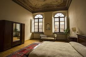 Top Florence Italy Apartment Rentals Room Ideas Renovation Best In ... Florence Apartment Guelfaholiday In Center For Sale The Centre Of Photos Luxury Italy Signoria The Cassiopea Designer Apartment Top Thon Residence Hotel Brussels City Centre Charm Florence Apartment Homeaway San Frediano Elegant Refurbished In Wifi Ac Elevator Villa Le Barone Pzano Chianti Visitalycom Apartments Orlando Palace Oltrarno Florenceholiday Viola Fiorentino Art