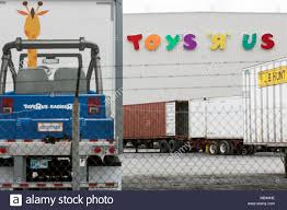 Frederick, Maryland, USA. 5th Apr, 2018. Semi-truck Trailers Outside ... Frederick Maryland Usa 5th Apr 2018 Semitruck Trailers Outside Toys R Us Cars For Kids Unique Ford F 150 Ride Electric Truck Vintage Ertl 21in Pressed Steel 1923096124 Httpwwwflickrcomphotoswebmikey292506 Toy Trucks At Best Resource Workers Say Nj Should End Pension Investment In Hedge New Release 2012 Toys Us Truckrig Pez Moc Free Shipping Tow Lego City Itructions 7848 Garbage Video Green Side Loader L Toysrus Lego Truck Set A Photo On Flickriver Great Semi Trailer Send Offers 11