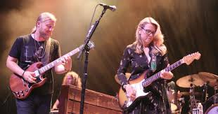 Tedeschi Trucks Band Announces 2017 Beacon Theatre Residency