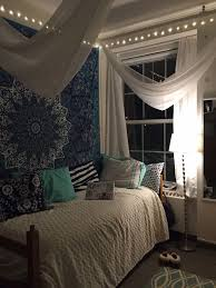 I Like The Colorful Pillows White Curtains And Bed Spread Keep Room From Feeling Too Dark With Big Tapestry
