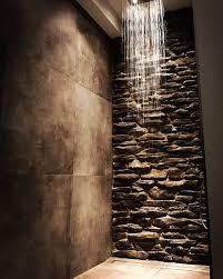 steinwand im bad rustikal fliesen design feldpausch