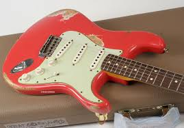 Guitare Electrique FENDER CUSTOM SHOP 1962 HEAVY RELIC STRATOCASTER FIESTA RED