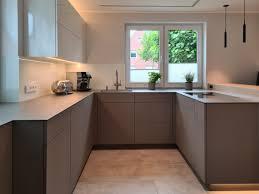 küche nach maß mit sitzbank contemporary kitchen
