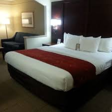 Bed And Biscuit Greensboro Nc by Comfort Suites Airport 17 Photos U0026 14 Reviews Hotels 7619