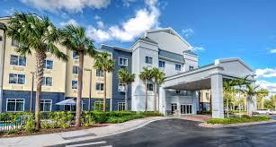Naples FL Hotels with Suites