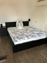 ikea malm holz bett dunkel braun schlafzimmer 160x200 kommode