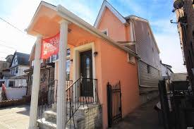 100 Metal Houses For Sale NYC Richmond Hill S 6 Bedroom House For
