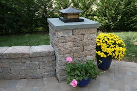 designer retaining wall lights 13 awesome outdoor retaining wall