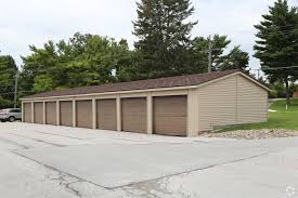 Machine Shed Davenport Ia Hours by Indian Ridge Apartments Rentals Davenport Ia Apartments Com