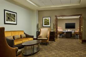 Living Room Lounge Indianapolis Indiana by Sheraton Indianapolis Hotel In Booking Com