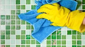 tipps zur badrenovierung neue fliesen auf alte kleben