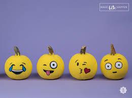 Make Perfect Emoji Pumpkins For Halloween In 3 Super Simple Steps DIY