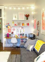 bureau coloré le bureau coloré et scintillant de paperfashion bureaus