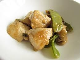 cuisiner pois mange tout poulet chinois sauté avec pois mange tout et chignons savormania