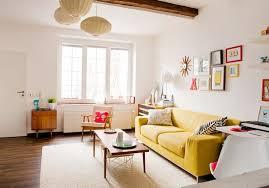 wohnzimmer einrichten klein deko ideen gelb sofa set deko