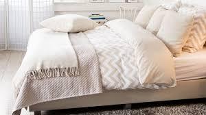 linge de lit beige et blanc drap de lit 140x200 gitetantejeanne
