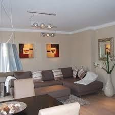 wohnzimmer braun grau gestalten caseconrad