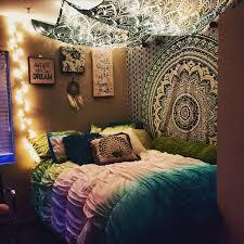 Idea Decorating College Apartment Bedroom