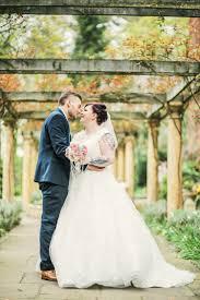 Rustic Secret Garden Wedding Helenrussellphotographycouk