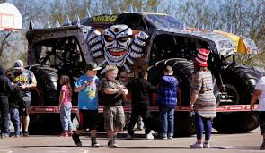 Monster Truck Visits Roadrunner Elementary     Tucson.com Monster Truck Visits Roadrunner Elementary Tucsoncom 31st Annual Summer 4wheel Jamboree Welcomes Ram Truck Brand Photo Album Anatomy Of A The 1118kw Beasts You Pilot Peering Officials Man Dies In Steep Flooded Wash South Tucson Jam Cvention Center 2282016 Youtube Grave Digger Freestyle 2013 Az Triple Threat Series Moda At Rose Quarter Obsessionracingcom Page 7 Obsession Racing Home Free Stunt
