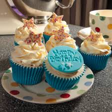Birthday boy cupcakes t