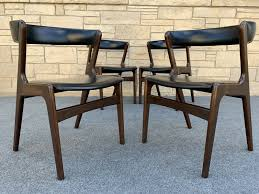 Set Of 4 Mid Century Danish Modern Curved Back Walnut Dining Chairs