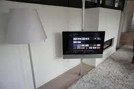 support tv au plafond loewe screen lift plus supports tv sur vidéo