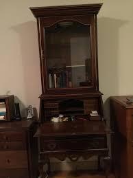 how can i determine the value of a secretary desk inside the