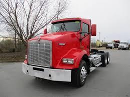 100 Paccar Trucks 2012 Kenworth T800 Tandem Axle Day Cab Truck MX 455HP