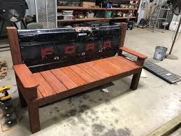 Trashy Tailgate Bench: 11 Steps (with Pictures)