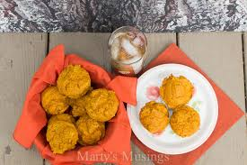 Cake Mix And Pumpkin by Easy Pumpkin Muffins With A Cake Mix