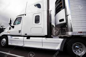 White Bonnet American Big Rig Semi Truck With Reefer Semi Trailer ... Refrigerated Bodies Trivan Truck Body Reefer Truck Available For Rent Qatar Living Reefer Units Stock Tsalvage1602reefer009 Xbodies 2018 Hino 268a Sale 1015 Daf Multitemperature 21 Pallets Refrigerated Trucks For Sale China Small Carrier With 2012 Intertional 4000 Series 4300 5131 2045ft Dry Vans Trailers From China 2011 Isuzu Npr Hd 579097 Trucks Mitsubishifuso Fe180 590805