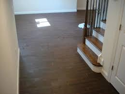 Linoleum Flooring That Looks Like Wood by Nice Tile That Looks Like Wood Floor Ceramic Wood Tile