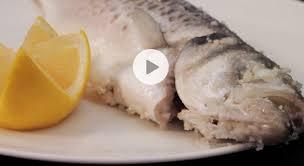 comment cuisiner le poisson comment cuire un poisson en croûte de sel gourmand