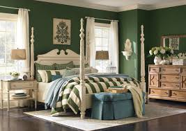 Moultrie Park Poster Bed by Bassett Furniture Traditional