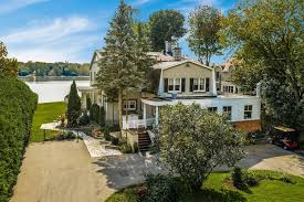 100 Lakeshore Villa Dorval 1020 Ch Du BordduLac QC Home For Sale
