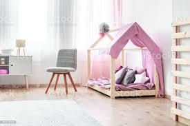 mädchen bett im schlafzimmer innenraum stockfoto und mehr bilder baby