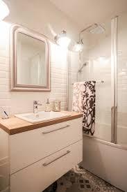 carrelage salle de bain metro mix de carrelage style métro et carreaux de ciment dans la salle
