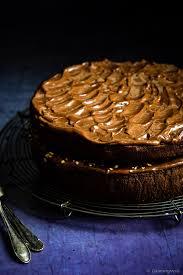 schokoladen bananen kuchen mit karamell