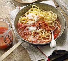 pates a l amatriciana amatriciana pasta food