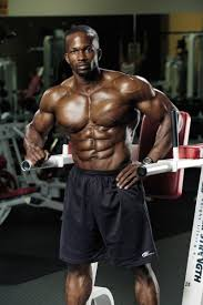 Captains Chair Leg Raise Bodybuilding by Get A Guaranteed Six Pack With High Low Abs Training Muscle