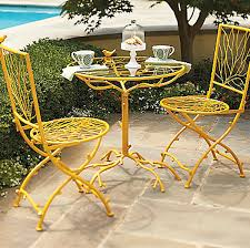 Unique Modern Outdoor Bistro Table And Chairs With Regard To Cafe